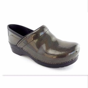 DANSKO Iridescent Patent Clogs Shoes Size 40