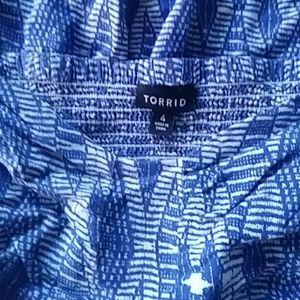 TORRID FLOWY BLUE ABSTRACT DRESS