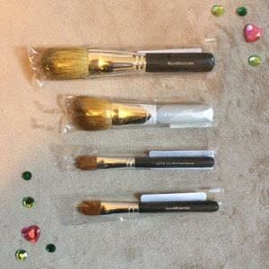 4 Bare Minerals brushes NWT