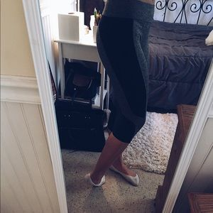 grey activewear leggings