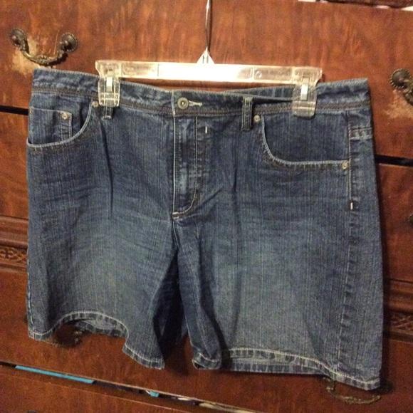 Faded Glory Denim - Faded Glory Jean Shorts. Smoke & PetFree