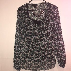 Green black and gray blouse size extra-large