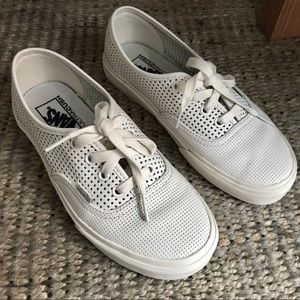 Vans Authentic Core Classics in White Perf Leather