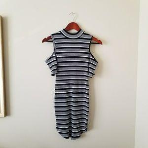 Derek Heart 🖤 Cold Shoulder Ribbed Dress