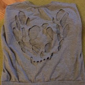 Great sweatshirt with back skull detail