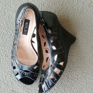 N.Y.L.A Leather wedge shoes new