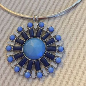 Jewelry - Silver tone blue necklace