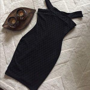 Dresses & Skirts - Black Hour Glass Cocktail Dress 🖤🍸