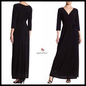 Dresses & Skirts - ⭐️⭐️ V-NECK MAXI DRESS