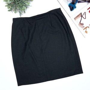 Ann Taylor Wool Skirt Size 14 in black