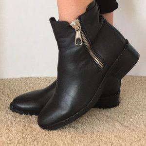 🖤 NEW Steve Madden boots!