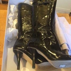 NIB Jimmy CHOO Black Patent Heeled BootsW Adj Calf