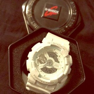 Men's off white G-Shock