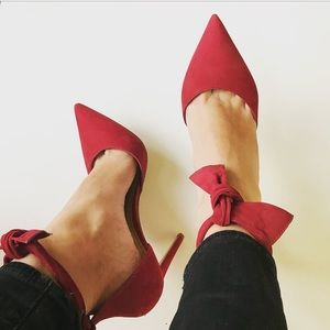 Aldo suède heels in red bow ankle strap