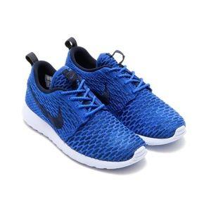 Women's Nike Roshe Flyknit Dark Blue Sneakers