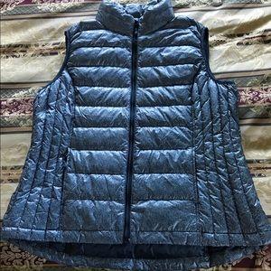 XL Vest, brand new, very nice