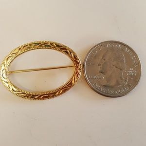 Vintage Gold Tone Small Brooch