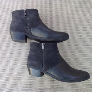 Bass black zip up ankle boots SZ 8