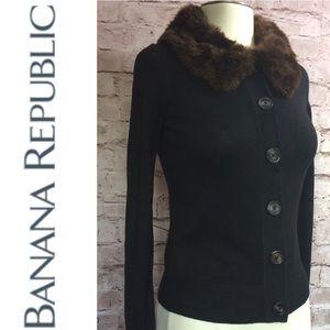 Banana Republic faux fur collar cardi sweater 🔸