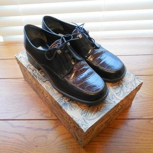 Vintage Brighton Loafer Tie Shoes