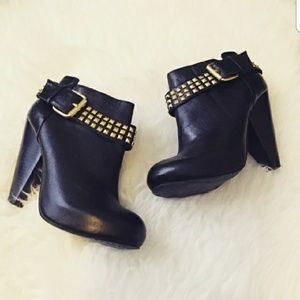 DOLCE VITA LEATHER WESLEY BOOTIES 😍