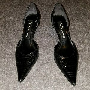 Black snake belly kitten heels