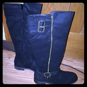 Fashion Boots (BRAND NEW)