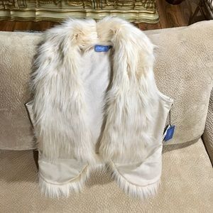 Vera Wang New w/tags Cream Fur Vest