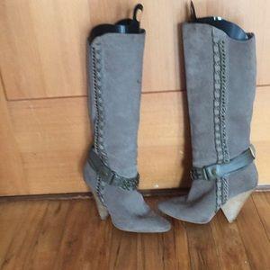 Bebe- Suede boots 🌈