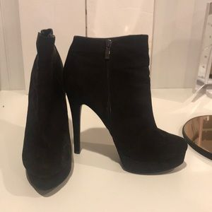 """Black booties from brand """"Chinese Laundry"""""""