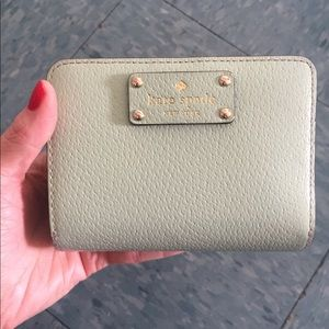 Kate spade ♠️ mint green wallet in ok condition