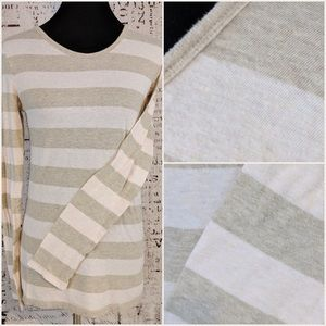 Gap Large Soft Thin Cotton Layering Tee EUC