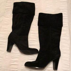 Black leather Tahari boots