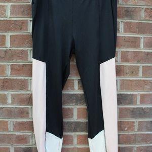 black workout leggings wirh cream and peach panels