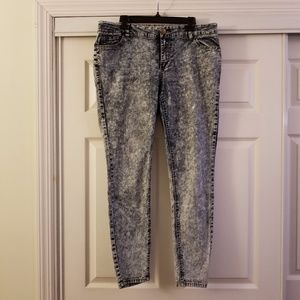 Forever 21 Acid Wash Skinny Jeggings Size 14