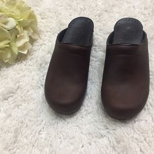 Dansko LIKE NEW Oiled Stapled Clog/Mules Sz 5.5-6