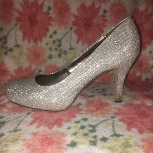 Madden Girl Silver sparkly heels 7.5