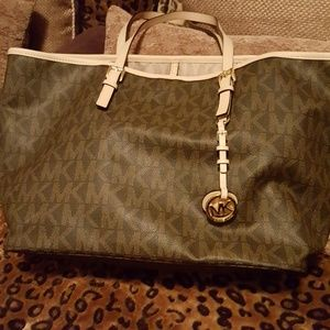 Authentic Michael Kors Tote