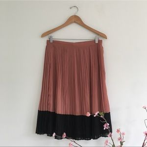 Long Colorblock Pleated Skirt