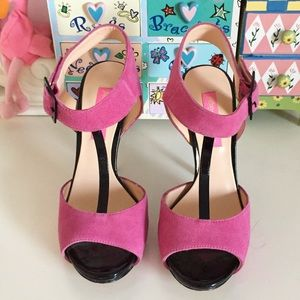 New! Betsey Johnson Suede Pink Black Heels Pumps