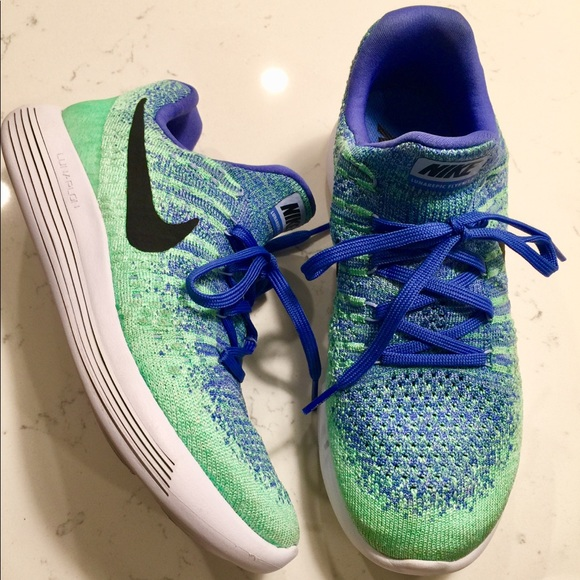 uk availability 327d0 2432d Nike lunar epic flyknit 2 size 7.5 green and blue