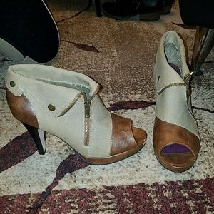 Madden girl beige & brown open-toed platform