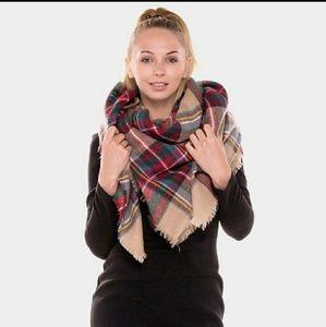 NWT Plaid Blanket Scarf