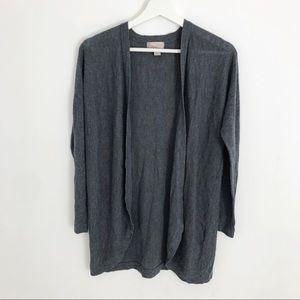 Minimalist grey cardigan
