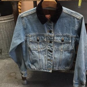 vintage denim jacket w velvet collar
