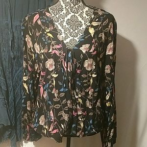 Women's EUC front cross over floral top size XL
