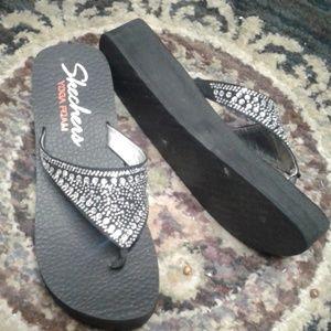 Skechers Memory Foam 9 crystal flip flops sandals