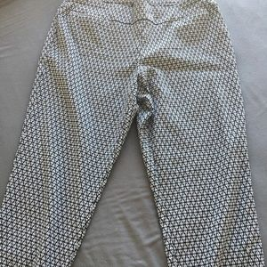 Alfani pattern stretch capris