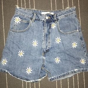 Denim shorts with flower embroidery