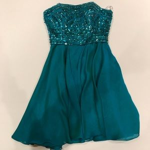 Strapless Sherri Hill size 00 dress